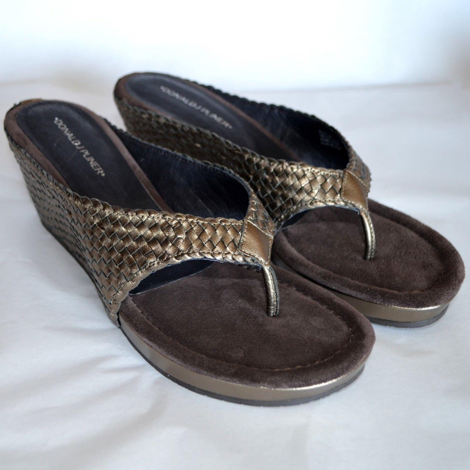 Donald J Pliner Gilles 3 Thong Wedge Heel T-Strap Sandale WM 10 M Metallic Pewter