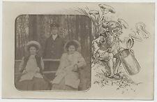 Foto/AK  2 Junge Damen mit  Hut und Pelzstola und Herr (V410)