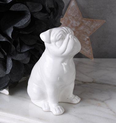 Porzellanfigur Mops Hund Hundefigur Weiss Mopsfigur Tierfigur Dekofigur Carlin