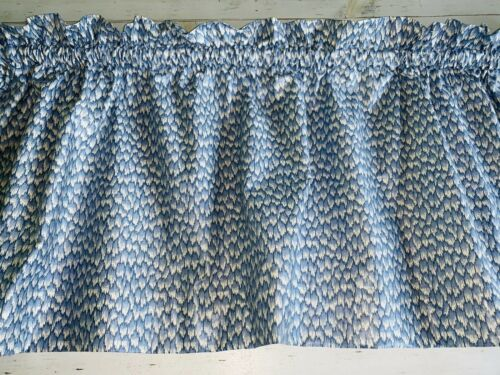 New Paul Kaufman Handmade Blue And Soft White Small Flame Pattern Valance