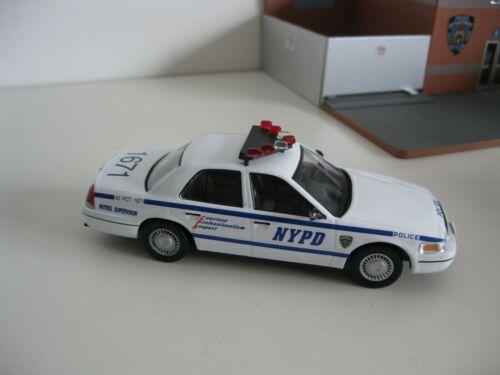 NYPD FORD Crown Victoria Police Interceptor *** ALTAYA 1:43 OVP