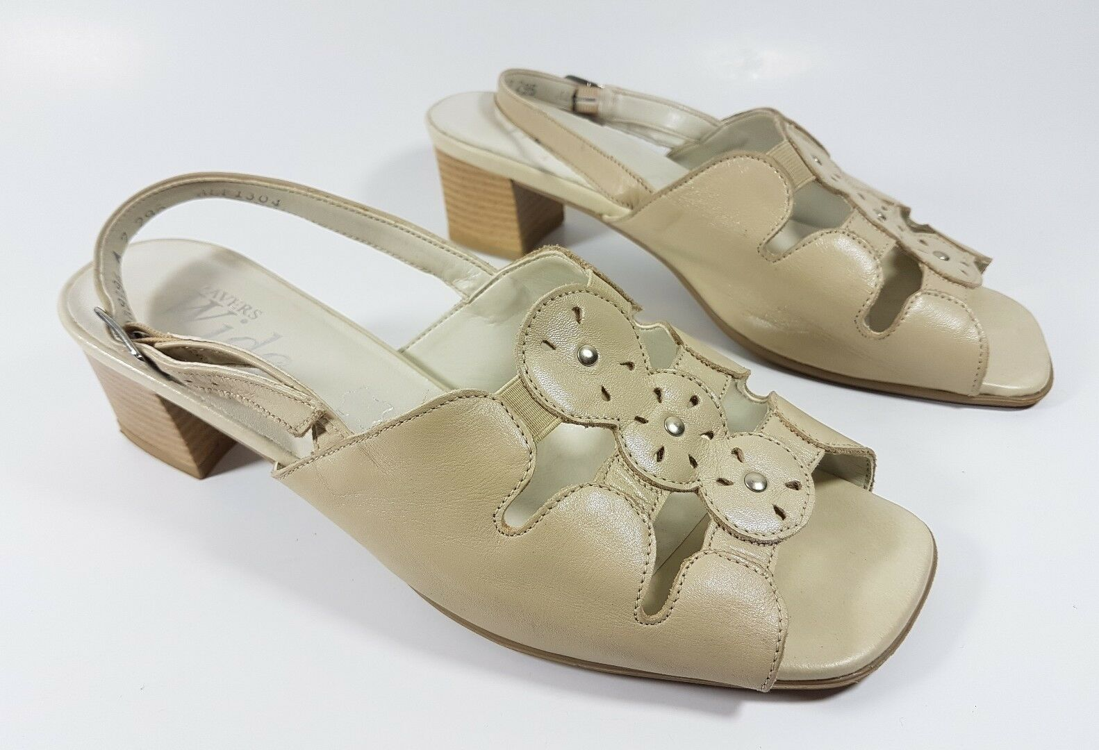 Pavers Wide cream sandals low block heel slingback sandals cream G wide ade548