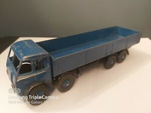 DINKY-501-FODEN-8-WHEELED-WAGON-DARK-BLUE-WITH-SILVER-FLASH-1st-TYPE-CAB