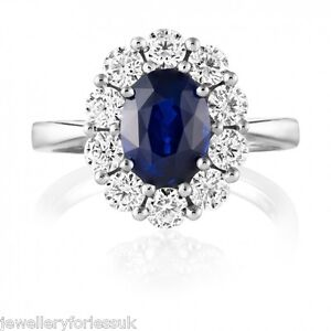 18Carat-White-Gold-Natural-Blue-Sapphire-amp-Diamond-Oval-Cluster-Ring-0-87-carats