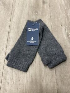 100% Cashmere Wrist Warmers    Johnstons of Elgin   Made in Scotland   Charcoal