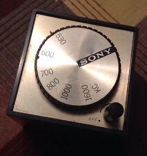 Vintage Sony TR-1819 AM Transistor Radio Cube WORKS