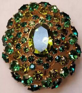 Vintage-Austrian-BROOCH-Pin-Jewelry-Green-Rhinestones-Gold-Tone-Mid-Century