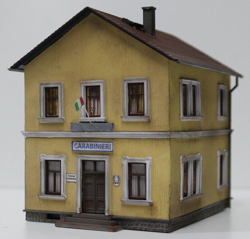 101DM Station Carabinieri 1 87 Montiert und Gealtert als Fotos Mit