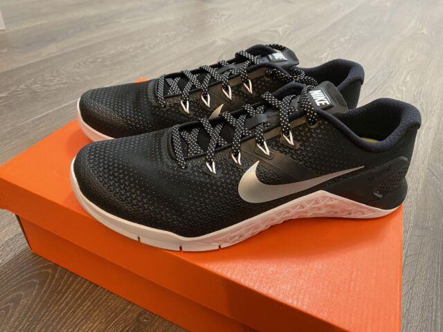 Women's Nike Metcon 4 Size 5 Cross