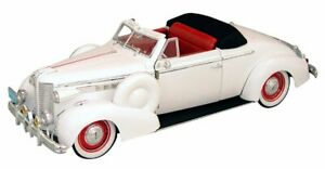BUICK Century Convertible Coupe - 1938 - white - Signature Models 1:18