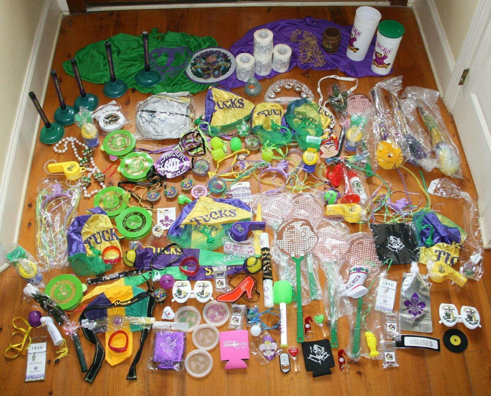 Lot 125 Branded New Orleans Mardi Gras Parade Throws Tucks Iris Bacchus etc.
