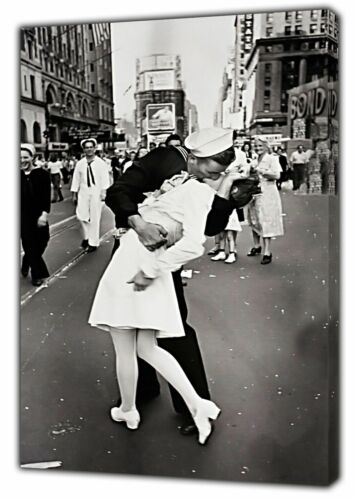 SAILOR KISSING NURSE FAMOUS 1945 SNAP PRINT ON WOOD FRAMED CANVAS WALL ART