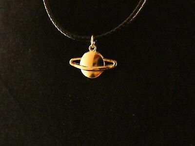 Universum Anhänger mit Kette 24 Karat Vergoldet Planet Venus Mars Erde Charm