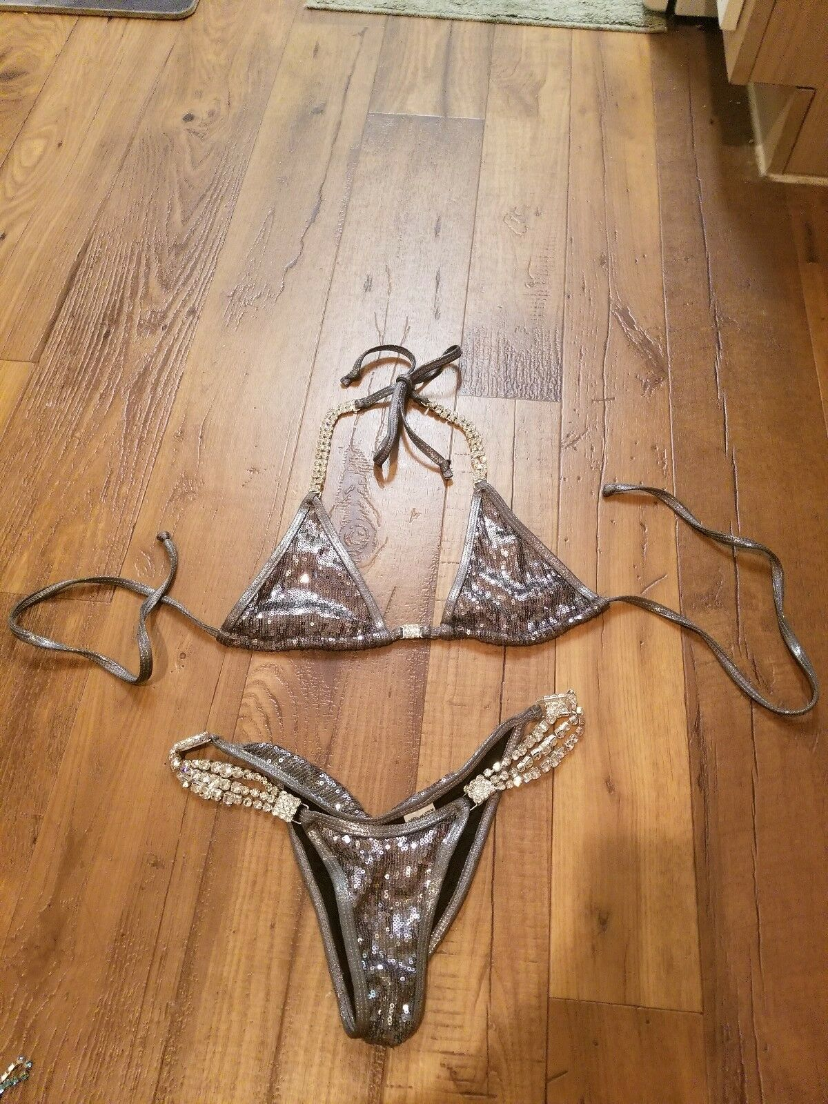 Sweet Revenge Bikinis  NPC IFBB Competition Scrunch Butt size S rhinestones