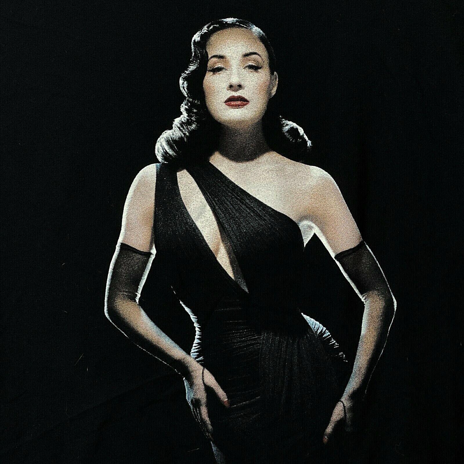 Dita Von Teese Burlesque Noir Glamour T-Shirt | A… - image 2