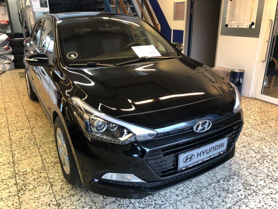 Hyundai i20 1,25 EM-Edition Benzin modelår 2016 km 100000