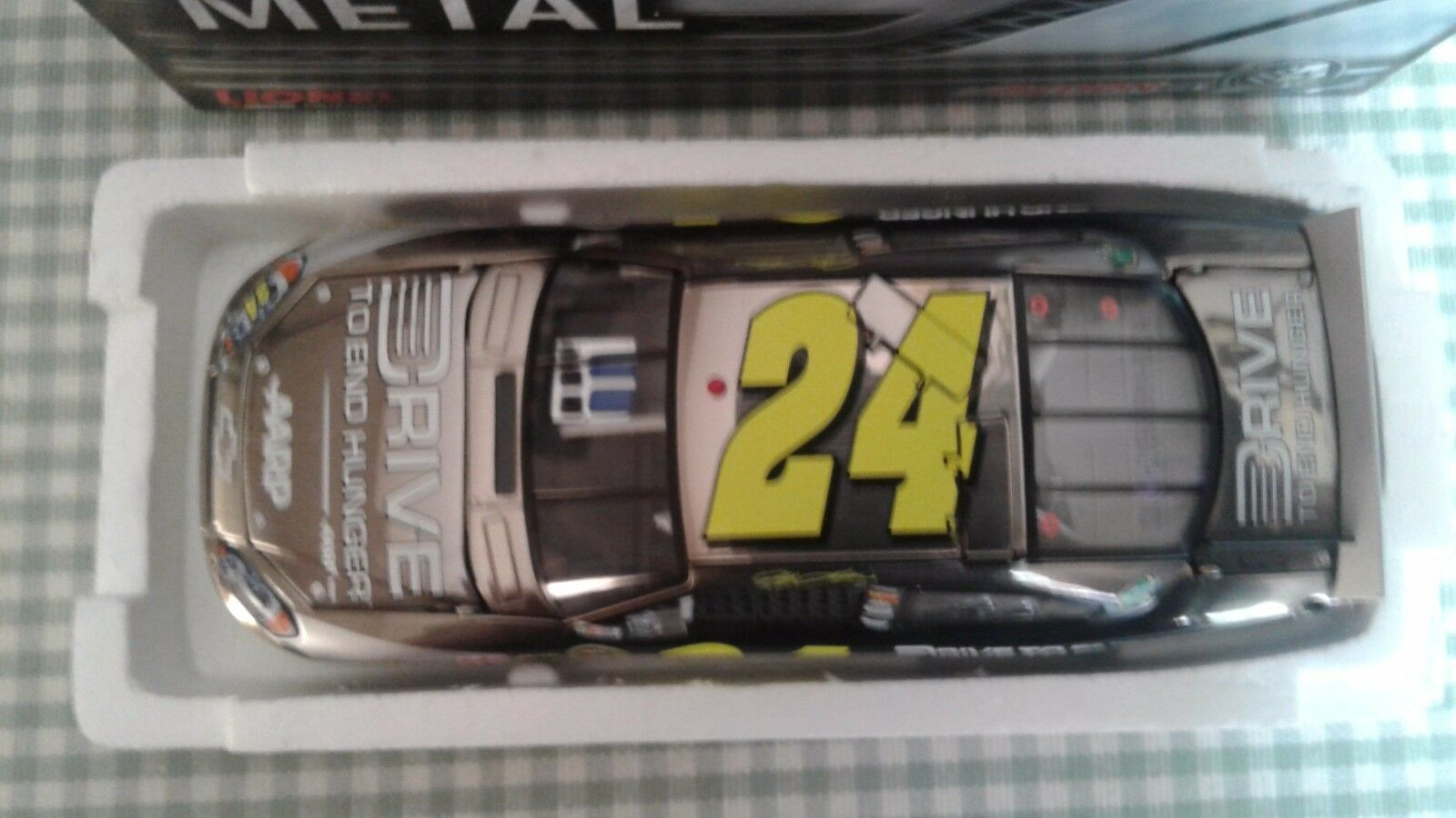 Jeff Gordon  24 AARP Drive To End Hunger 2011 Impala  Diecast 1 24 1 of 324