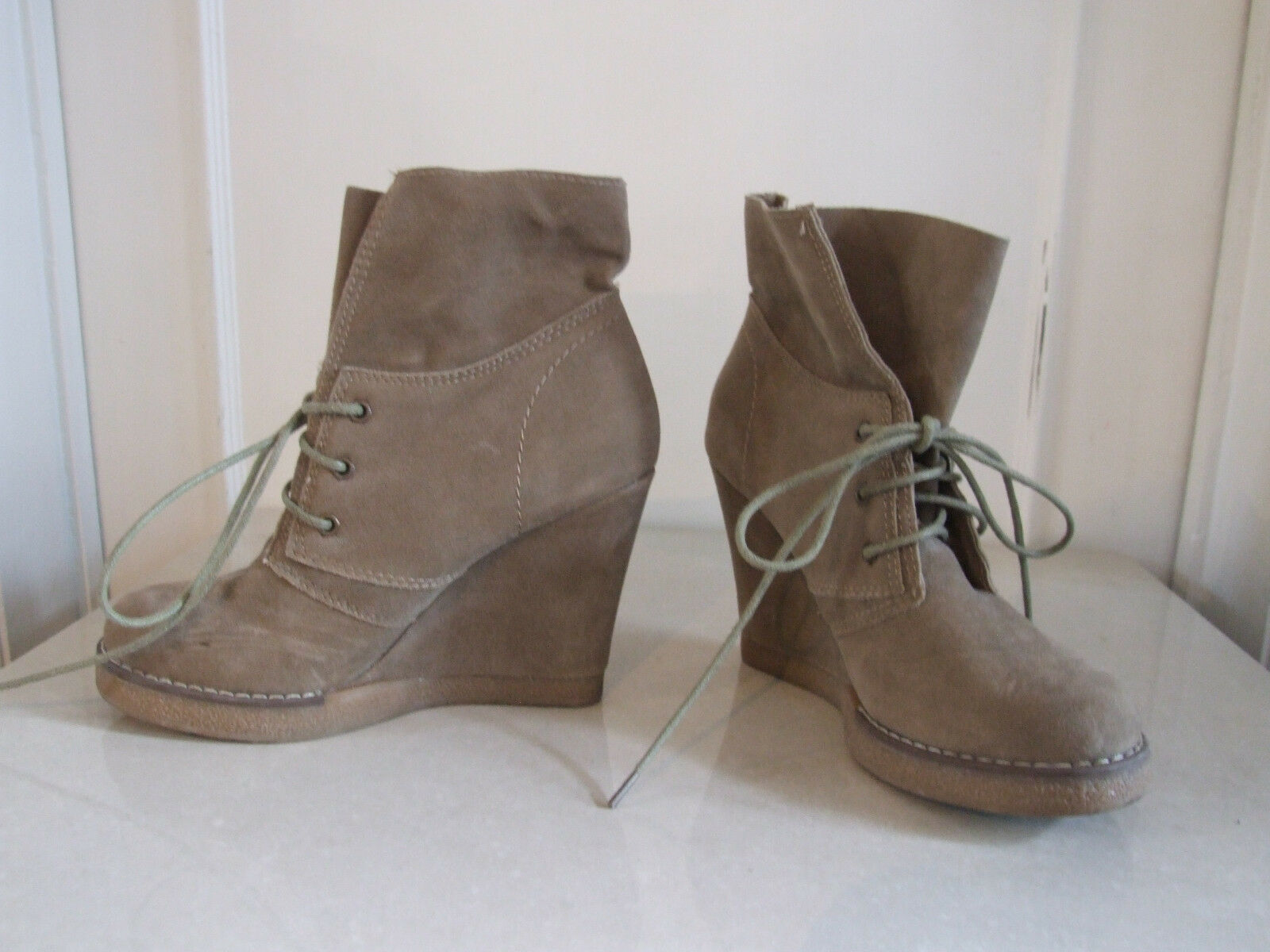 Gorgeous Beige Suede Wedge Heel Lace-Up Ankle Boots shoes UK Size 5   EU Size 38
