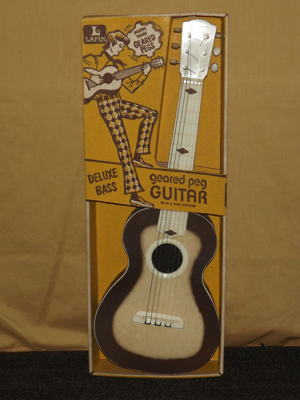 VINTAGE USA  TOY 1950-60S LAPIN GEArosso PEG GUITAR IN BOX