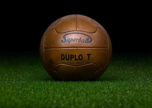 The official ball of the 1950 FIFA World Cup in Brazil: SUPERBALL DUPLO-T