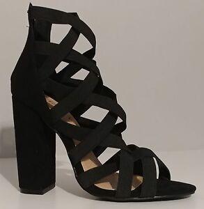 Liliana Black Suede Sandals 4.5\