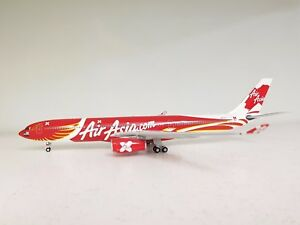 InFlight200-Airbus-A330-300-AirAsia-X-9M-XXT-with-stand-in-1-200-scale
