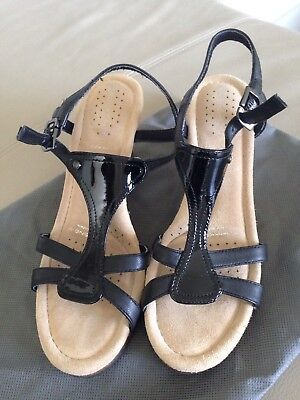 Women's Shoes Glorious New Rockport Womens T Strap Bar Patent Leather Shoes Sandals Wedge Rrp$189 Sz 6 Soft And Light