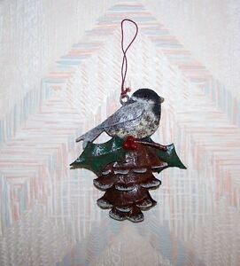 bird pine cone chickadee christmas string ornament metal regal art ebay. Black Bedroom Furniture Sets. Home Design Ideas