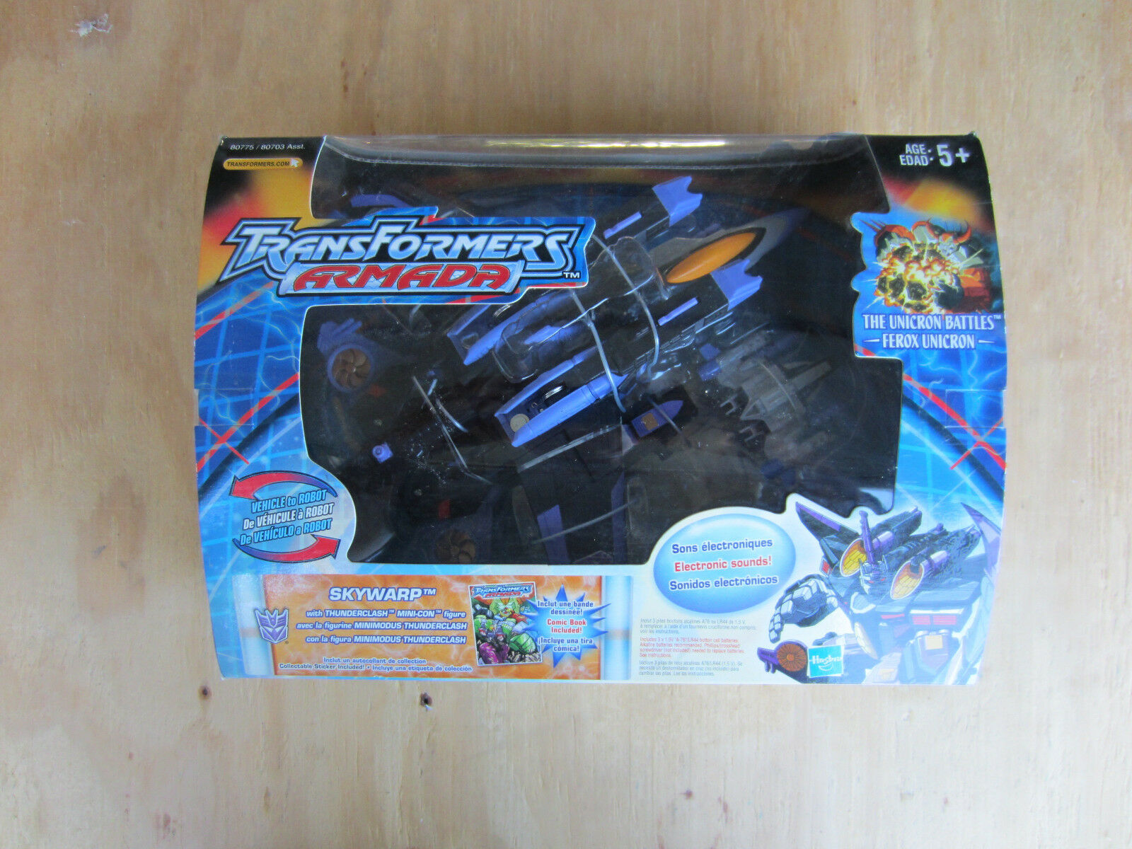 Transformers 2003 Action Figure Armada Skywarp+ mini-con and Comic Book MISB new