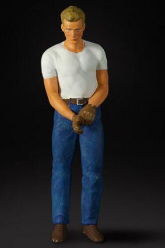 figura 1:18 La fábrica de figuras 180003-James D