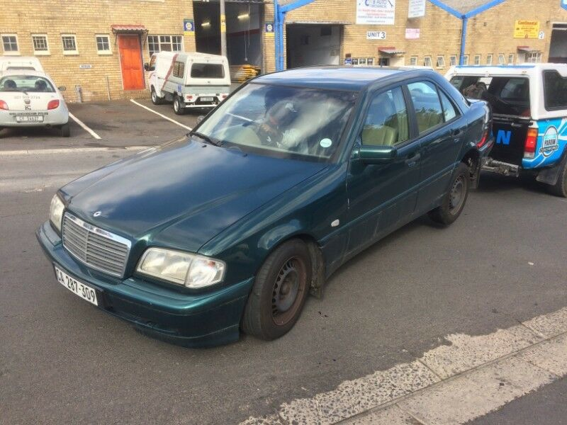 BENZO PARTS NOW STRIPPING: 2000 MERCEDES-BENZ C250