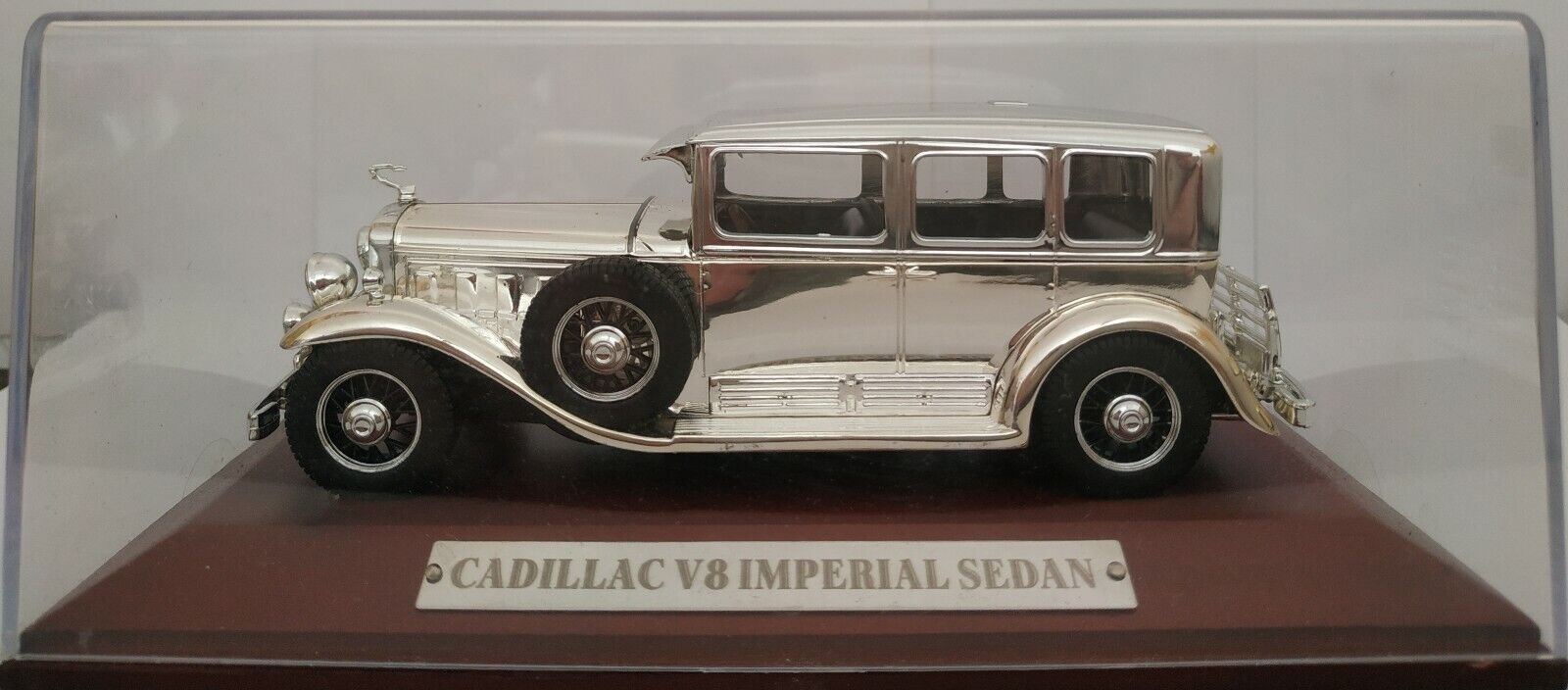 1 43 ILLAC V8 IMPERIAL CROMO argent CHROME CROMADO IXO ALTAYA ESCALA DIECAST