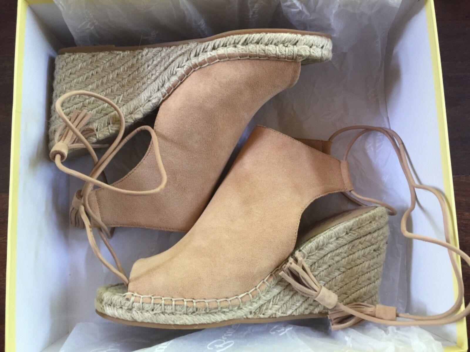 New 7.5 Bettye Women's Hailey suede wedge nude tan suede sandals natural bluesh