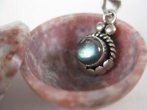 Labradorite-Silver-Pendant-Small-stone-sterling-bright
