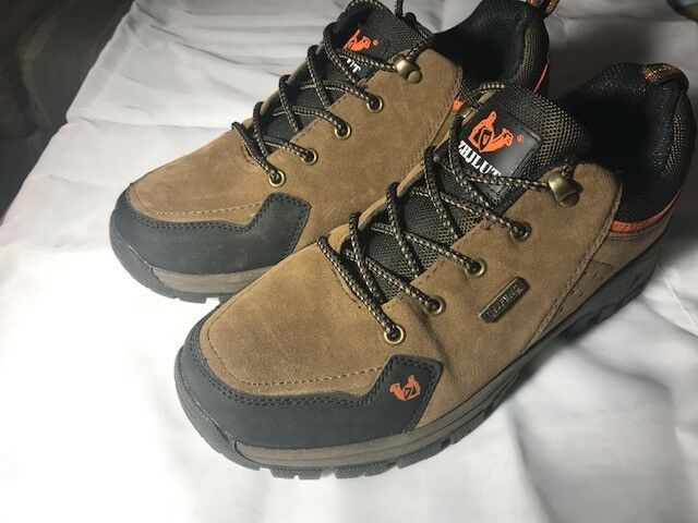 Mens Sneakers Brand New Size 8