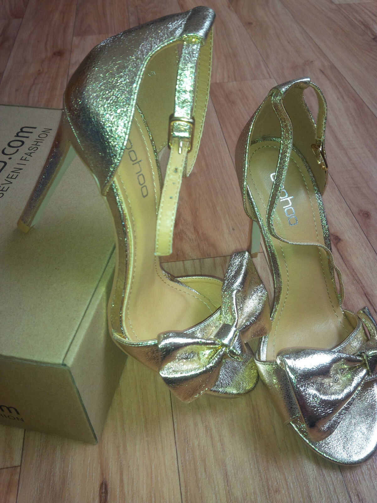 Silber Strappy Sandal Heels by with Bow by Heels Boohoo UK5 EU38 - BRAND NEW 483047