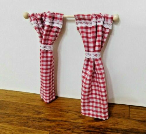 Dolls House 1//12th Paio Di Rosso e Bianco Gingham TENDE SU PALO IN PINO rimovibile