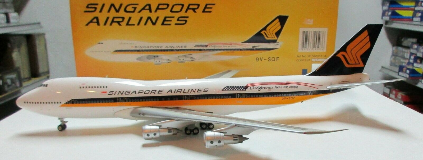 Inflight 200 - 1 200 scale 747-200 Singapore Airlines   9V-SQF - IF7420513A