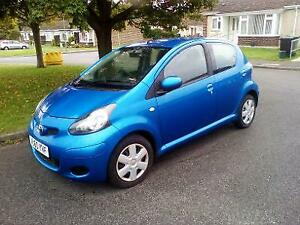 2010-Toyota-AYGO-1-0-VVT-i-AYGO-Blue-2-OWNERS-20TAX-Bluetooth-30-000-miles