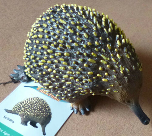 AUSTRALIAN ANIMAL SOUVENIR GIFT ECHIDNA LARGE REPLICA Size approx 9cm long