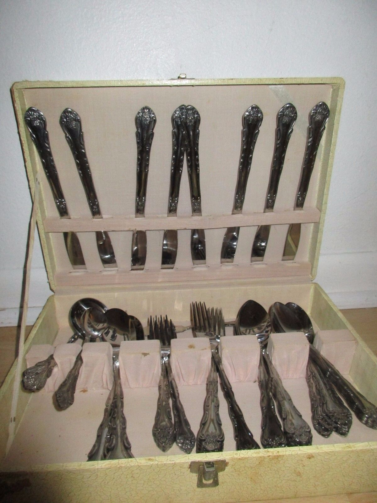 VINTAGE FLATWARE CASE AND 52 PIECE FLATWARE SET INTERNATIONAL STAINLESS
