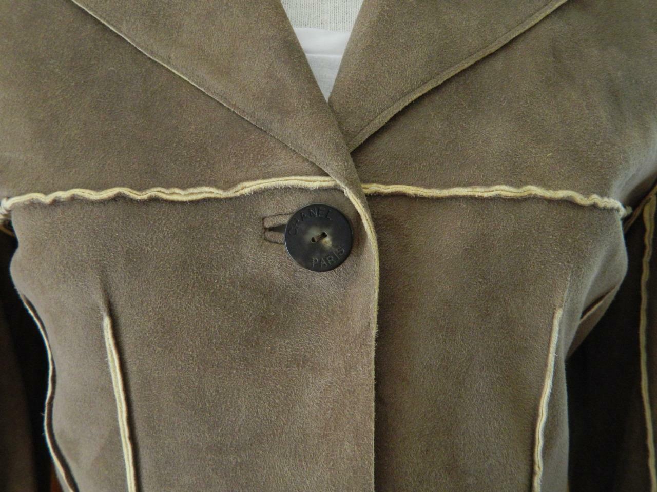 CHANEL Jacket Deer Skin Suede Chanel Horn Button … - image 10