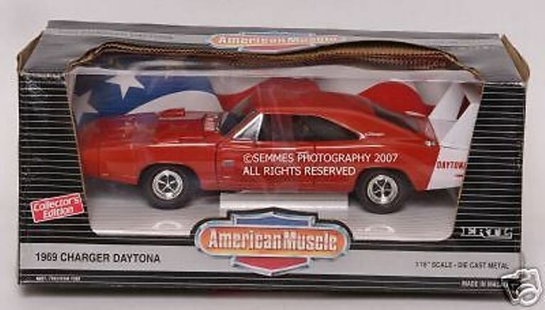 1969 DODGE CHARGER DAYTONA rot DIE CAST 1 18 NEW  I have more Diecast listed