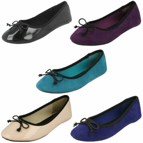 Girls Spot On Flat Ballet Shoes With *Bow Detail*