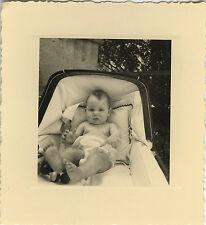 PHOTO ANCIENNE - VINTAGE SNAPSHOT - ENFANT LANDAU DRÔLE - BABY CARRIAGE CHILD