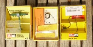 Brawa-5291-H0-Konvolut-3-Stueck-Fahrtrichtungsanzeiger-Uhr-Bahnsteigbeleuchtung