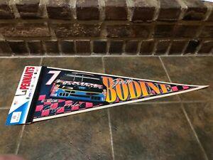VINTAGE-NASCAR-7-GEOFF-BODINE-EXIDE-BATTERIES-FORD-PENNANT-WINCRAFT-NEW-FS