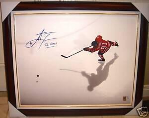 John-Tavares-Generals-72-Autograph-Frame-Canvas-ed-OHL