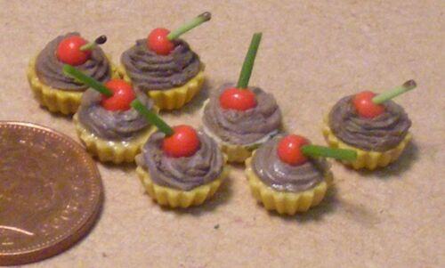 1:12 Maßstab 7 Lose Schokolade Kirsche Kuchen Tumdee Puppenhaus Zubehör PL79