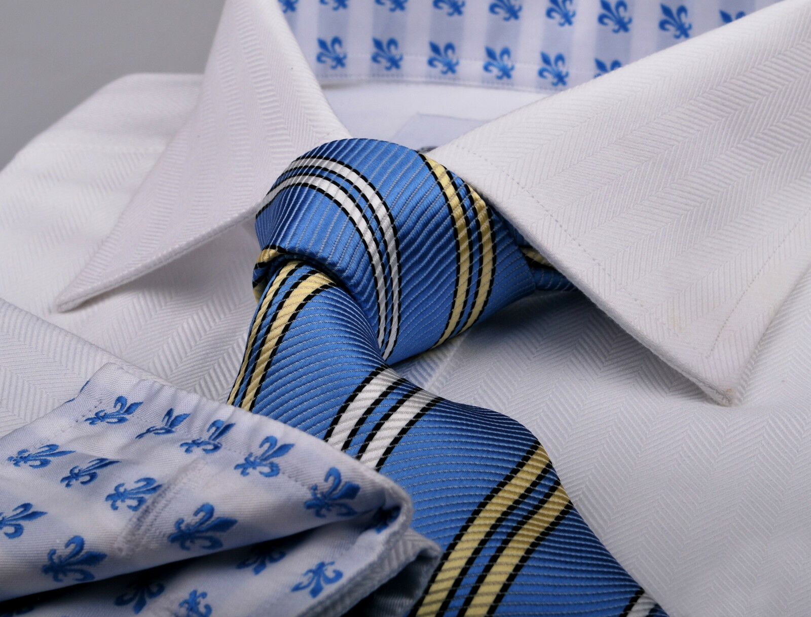 B2B White Herringbone Men's Business Formal Dress Shirt bluee Boss Fleur-De-Lis